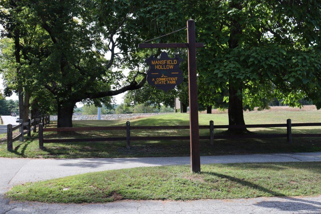 Mansfield Hollow Park entrance